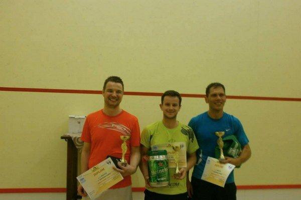 Trojica najlepších s trofejami. Medzi nimi hneď dvaja Staroľubovnianci.