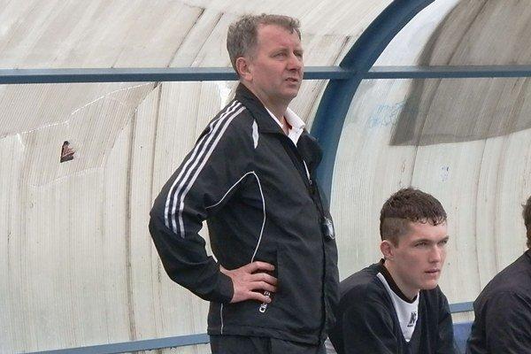 Peter Drobňák. Vedie tím v neľahkej situácii.