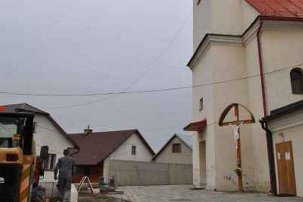 Kostol v Novej Ľubovni. Je hlavnou dominantou obce.