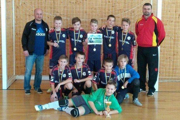 Mladí famkári víťazmi. Talenty zFAM Poprad na turnaji vPodolínci dominovali.