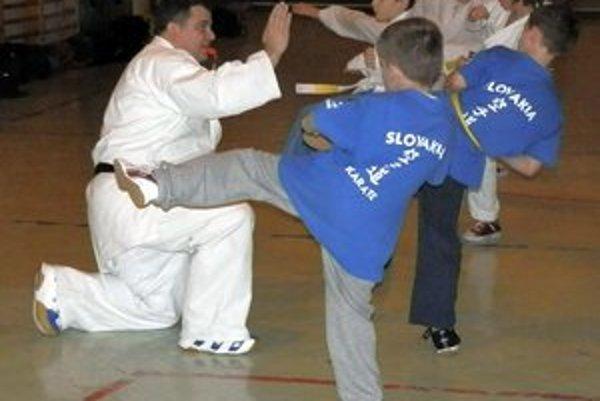 František Vorobeľ. Pre trénera ŠKM je karate srdcovou záležitosťou.