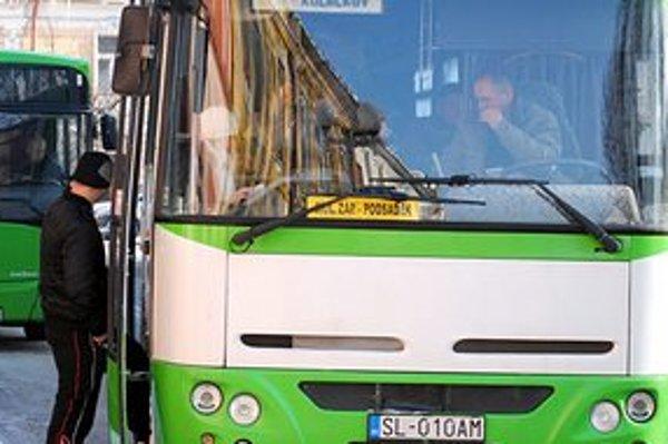 Bus Karpaty. Prevádzka v meste im naďalej ostala.