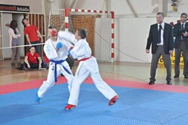 Aj Foľvarský (vpravo) sa zúčastnil súťaže.