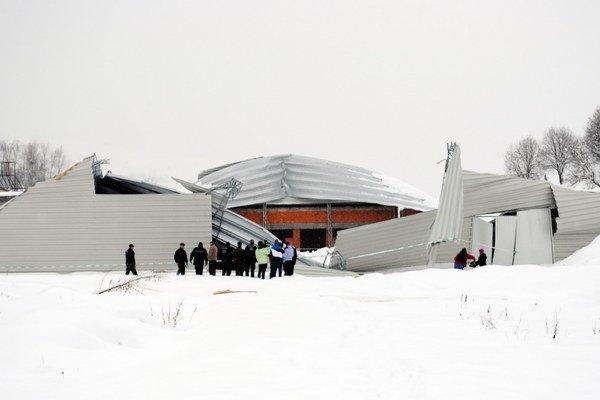 Konštrukcia sa zrútila vo februári 2013.