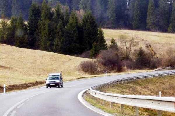 Nehodový úsek. Bude ním aj cesta medzi Plavnicou a Ľubovnianskymi kúpeľmi.