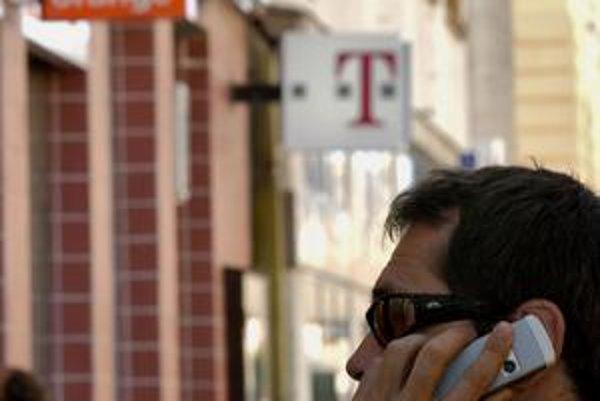Zmena zákona dopadne na operátorov Orange a T-Mobile ešte toto leto.