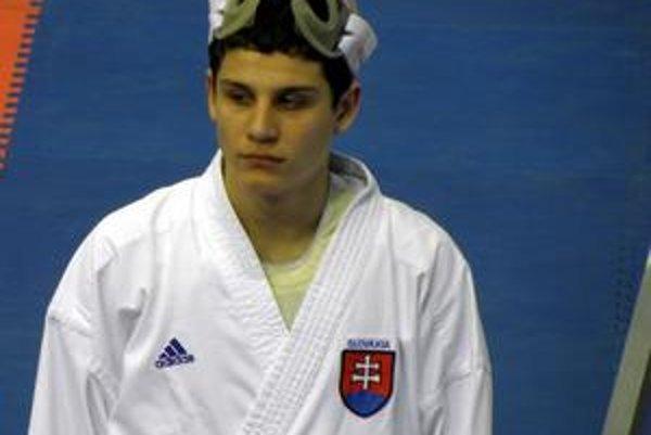 Adam Vorobeľ. Na európskom šampionáte reprezentoval Slovensko.
