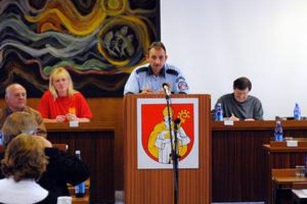 Správa. Poslancom ju predložil náčelník Oskár Ščigulinský.