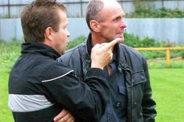 Kouč. Michal Pyda st. (vpravo) môže byť s účinkovaním svojho tímu zatiaľ spokojný.