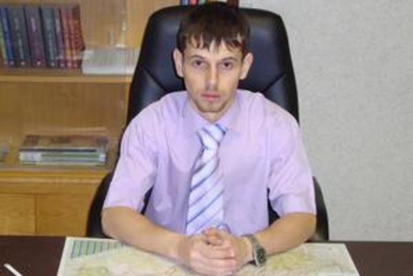 Najmladší starosta v okrese. Štefan Solotruk má 26 rokov a smelé plány na oživenie Stariny.