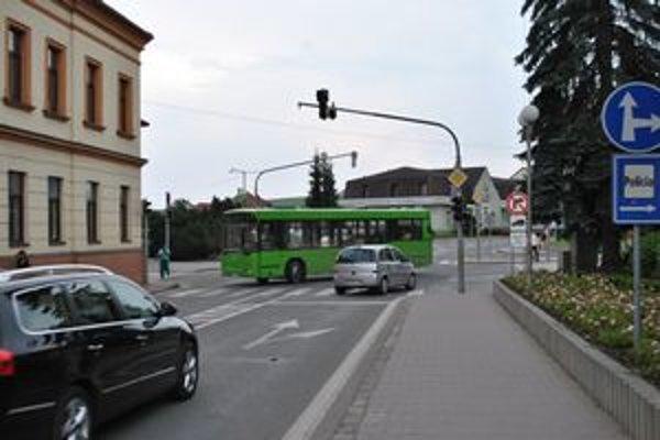 Vypnuté semafory. Problém je hlavne počas dopravnej špičky.