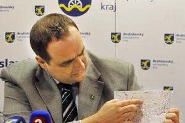 Podľa bratislavského župana Pavla Freša je stavba nultého obchvatu Bratislavy ohrozená.