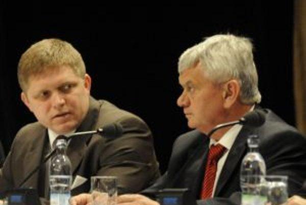 Firmy tvrdia, že im Ficova vláda nepomohla.