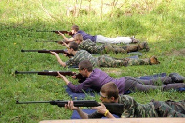 V Chrenovci-Brusne obnovili tradíciu organizovania streleckej súťaže.