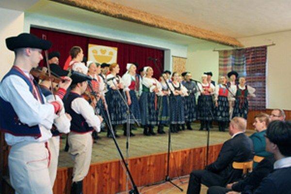 Vystúpenie domácej folklórnej skupiny Lubená.