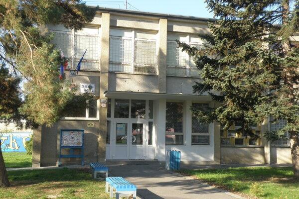 Základná škola na Rastislavovej ulici v Prievidzi.