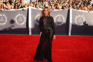 Beyoncé vystriedala počas večera viacero šiat.