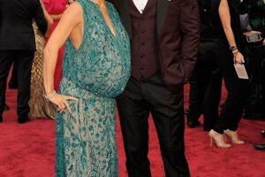 Chris Hemsworth s tehotnou manželkou Elsou Pataky.