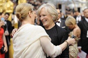 Meryl Streep (vľavo) počas rozhovoru s Glenn Close.