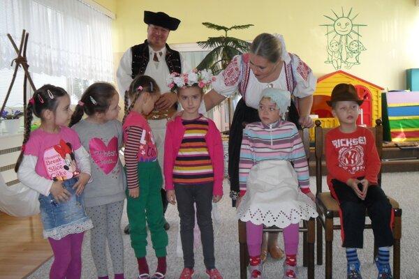Deti sa do programu aktívne zapojili.