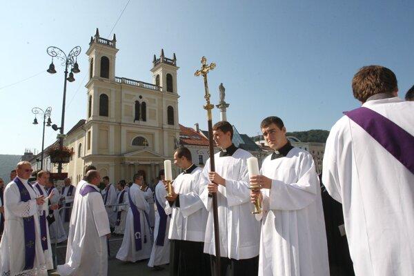 Pohreb biskupa Rudolfa Baláža sa konal 3. augusta 2011 v Banskej Bytrici, jeho telesné pozostatky uložili v rodnej obci Nevoľné.