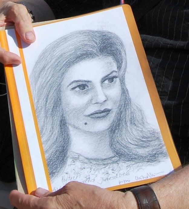 Portrét mu podpísala aj francúzska herečka Chiara Mastroianni.