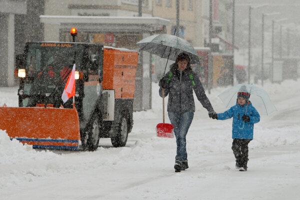Zimná údržba sa oficiálne začala 15. novembra.