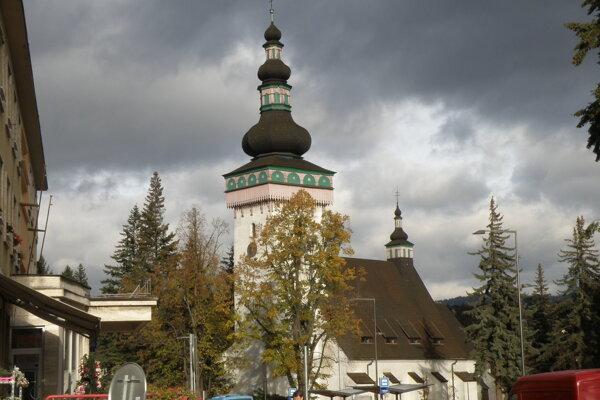 Kostol sv. Kataríny v Handlovej.