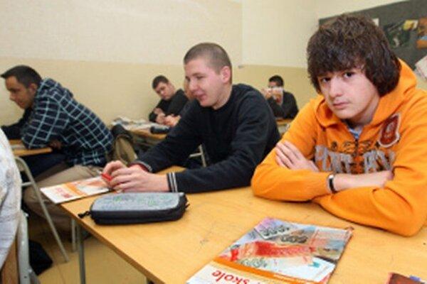 Stredoškolákov z roka na rok rapídne ubúda.