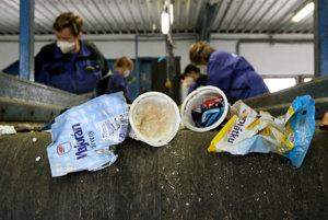 Slováci spotrebujú nadpriemerné množstvo plastových tašiek, väčšinu iba raz a nakoniec skončia v odpade.