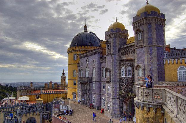 Palácio Nacional da Pena je jedným zo siedmich divov Portugalska.