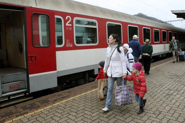 Regionálne expresy medzi Prievidzou a Bratislavou nahradia rýchliky.