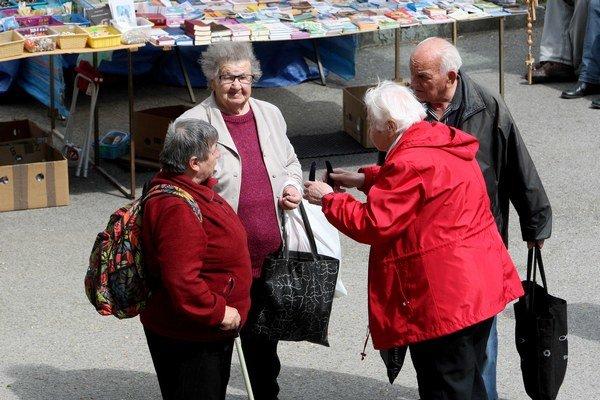 Starobným dôchodcom pribudnú v peňaženke skoro dve eurá.