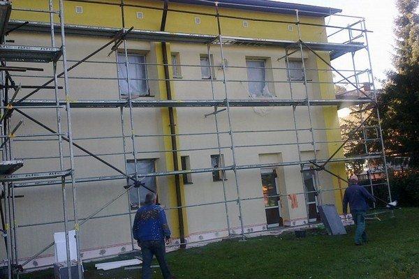 Niektoré školy v kraji dostanú nové okná.