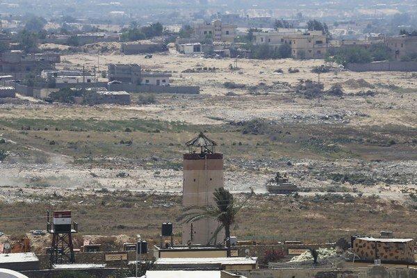 Samovražedý atentátnik usmrtil na Sinaji vojaka a civilistu