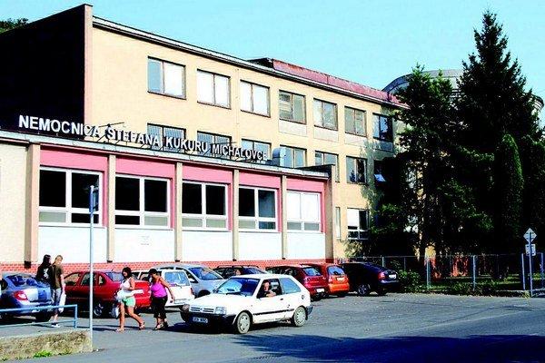 Michalovská nemocnica. Starý spor je premlčaný, župa ušetrila.