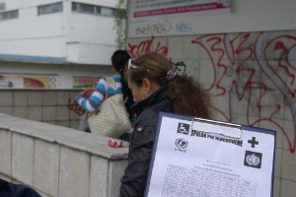 Podozrivá zbierka Rumunov sa už objavila vo viacerých mestách.