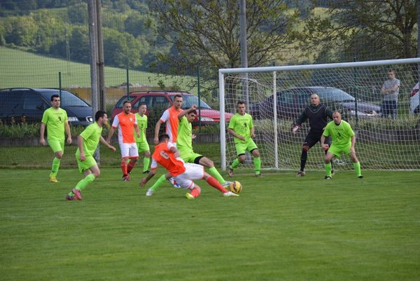 Tr. Stankovce (v oranžovom) gól nestrelili.