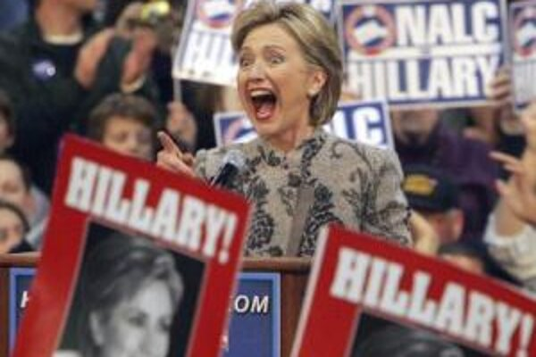 Hillary Clintonová počas kampane v meste Manchester.