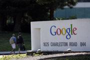 Logo Google v sĂdle spoloÄŤnosti v kalifornskom Mountain View.