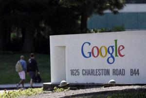 Logo Google v sídle spoločnosti v kalifornskom Mountain View.