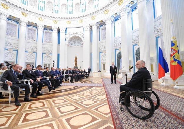 Prezident Medzinárodného paralympijského výboru Philip Crowen počas návštevy Mosky. (ilustračné foto)