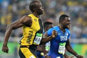 Gatlin (vpravo) už Bolta nepredbehne.