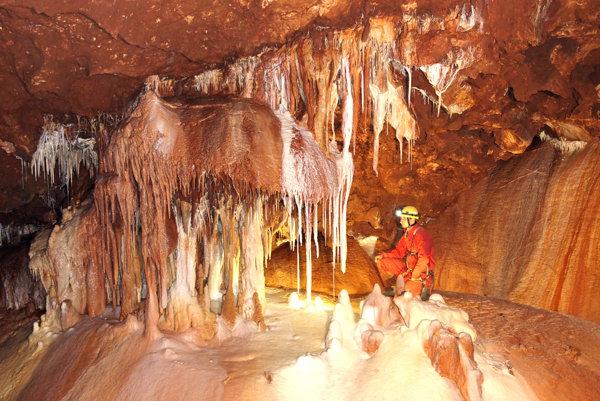 Objavovanie doposiaľ neobjavených častí. Jaskyniari zažívali chvíle napätia ajradosti.