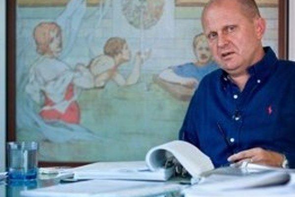 S cudzincami v Piešťanoch nikdy neboli problémy, tvrdí advokát Roman Kvasnica, ktorý v meste žije.