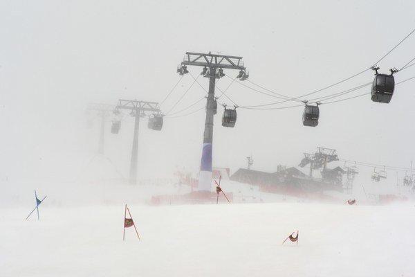 Pre vietor zrušili organizátori dnešný obrovský slalom.