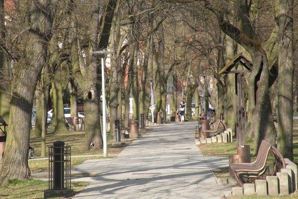 Park na Námestí Andreja Hlinku je jedným z najkrajších a najobľúbenejších miest v Ružomberku.