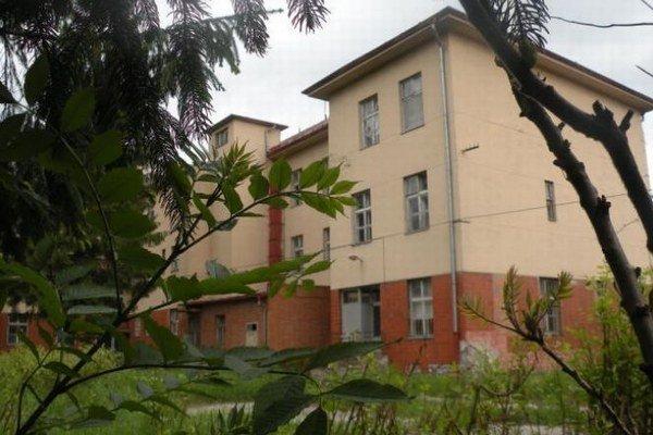 Vlastníkom budovy postavenej v roku 1937 ako Pavilón pre matku a dieťa je v súčasnosti Ministerstvo obrany SR s tým, že ju spravuje vojenská nemocnica.