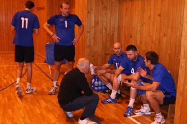 V sobotu 24. marca sa Stavbári dvojzápasom so Zvolenom rozlúčia s ligovým ročníkom 2011/12.