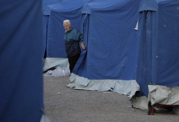 Pri meste Pescara Del Tronto už postavili stanový tábor.